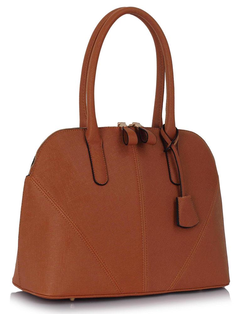 613f713b22 Středně velká hnědá kabelka do ruky i na rameno LS00331
