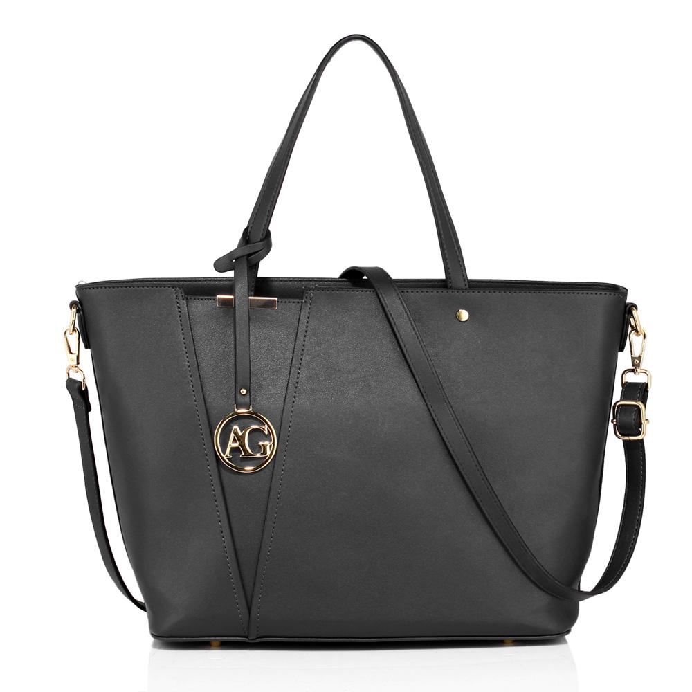 Černá hladká kabelka do ruky i na rameno AG00522