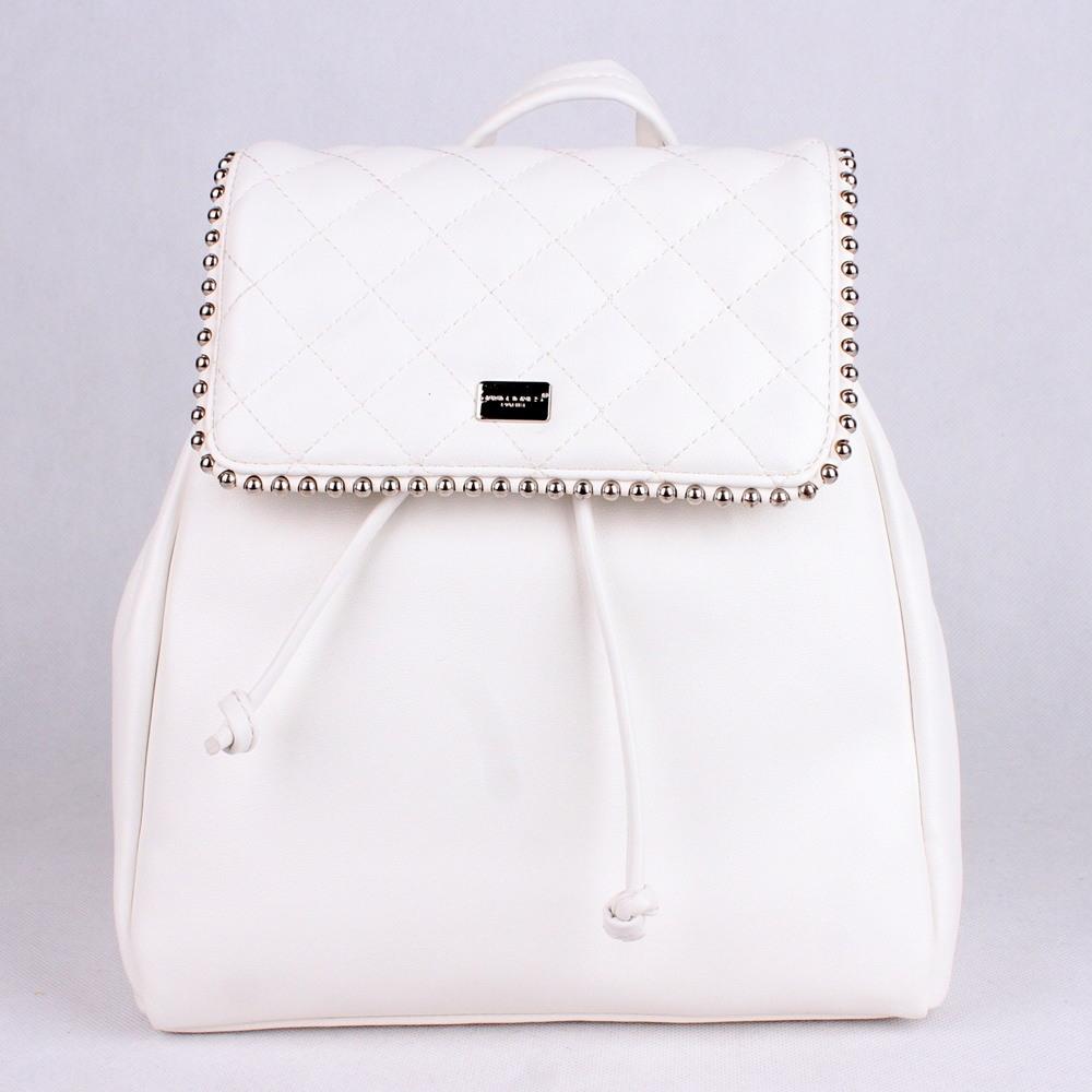 6bd621d31 Městský malý bílý batoh David Jones 5932-3 s obsahem cca. 5l